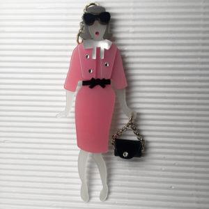 Ciondolo per borsa bambolina con Swarovski.