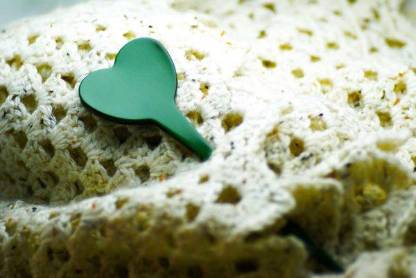 Spillone per maglieria in acetato a cuore