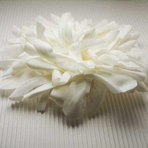 Spilla floreale in tessuto